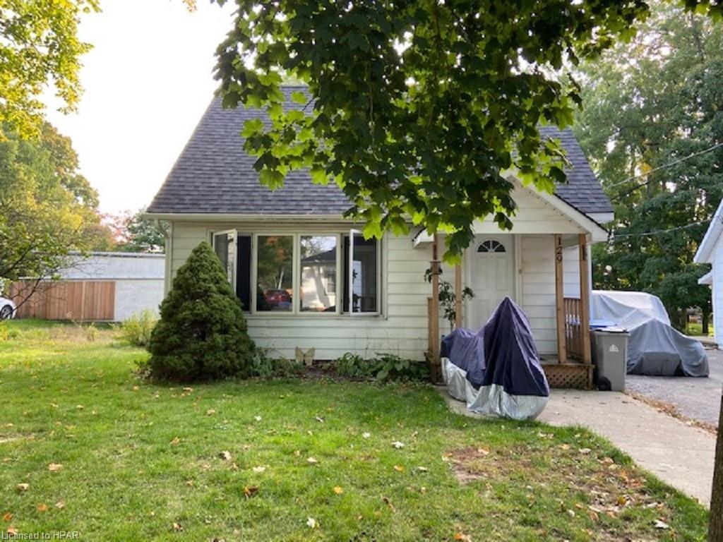 129 Queen Street W, Clinton Ontario, Canada