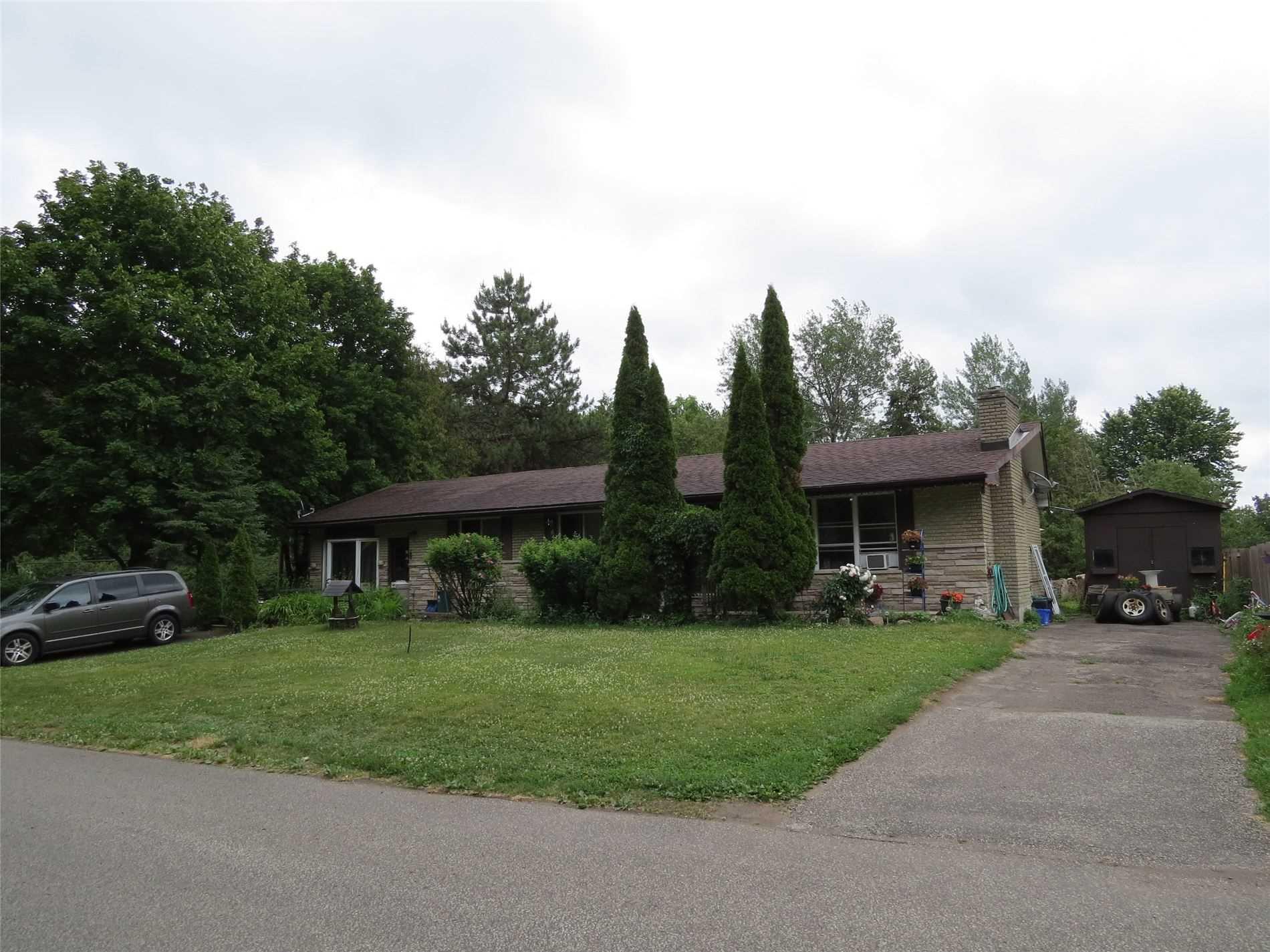 363 Coxwell St, Georgina Ontario, Canada