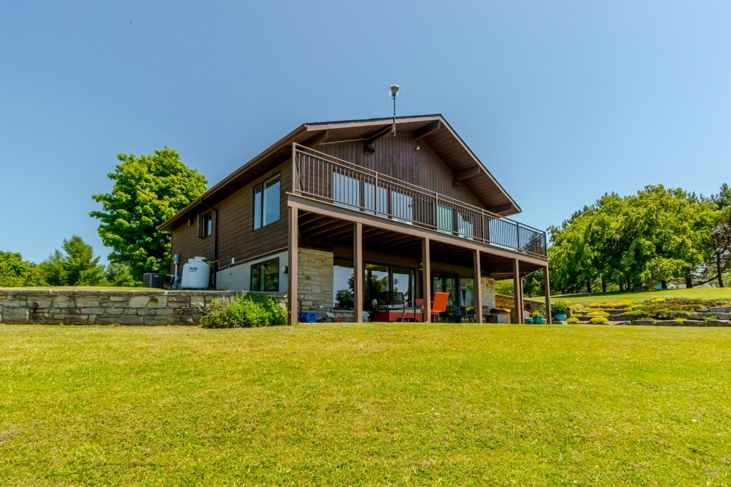 200 Miller Lane, Wolfe Island Ontario, Canada
