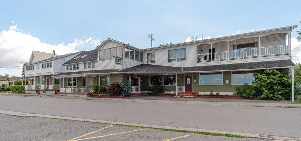 1237 Main Street, Wolfe Island Ontario, Canada