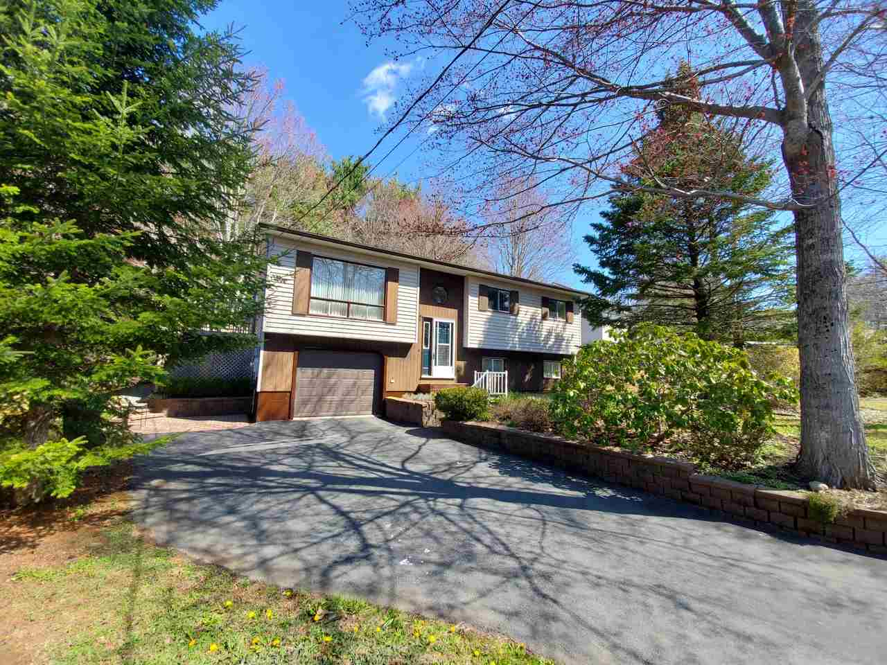 72 Winburn Avenue, Bridgewater Nova Scotia, Canada