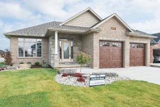 946 Riopelle Dr, Sarnia Ontario, Canada