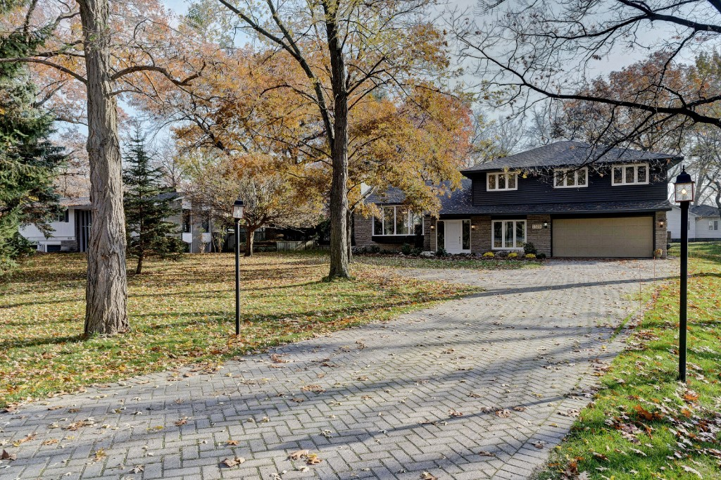 1519 LAKESHORE RD, Sarnia, Ontario, Canada