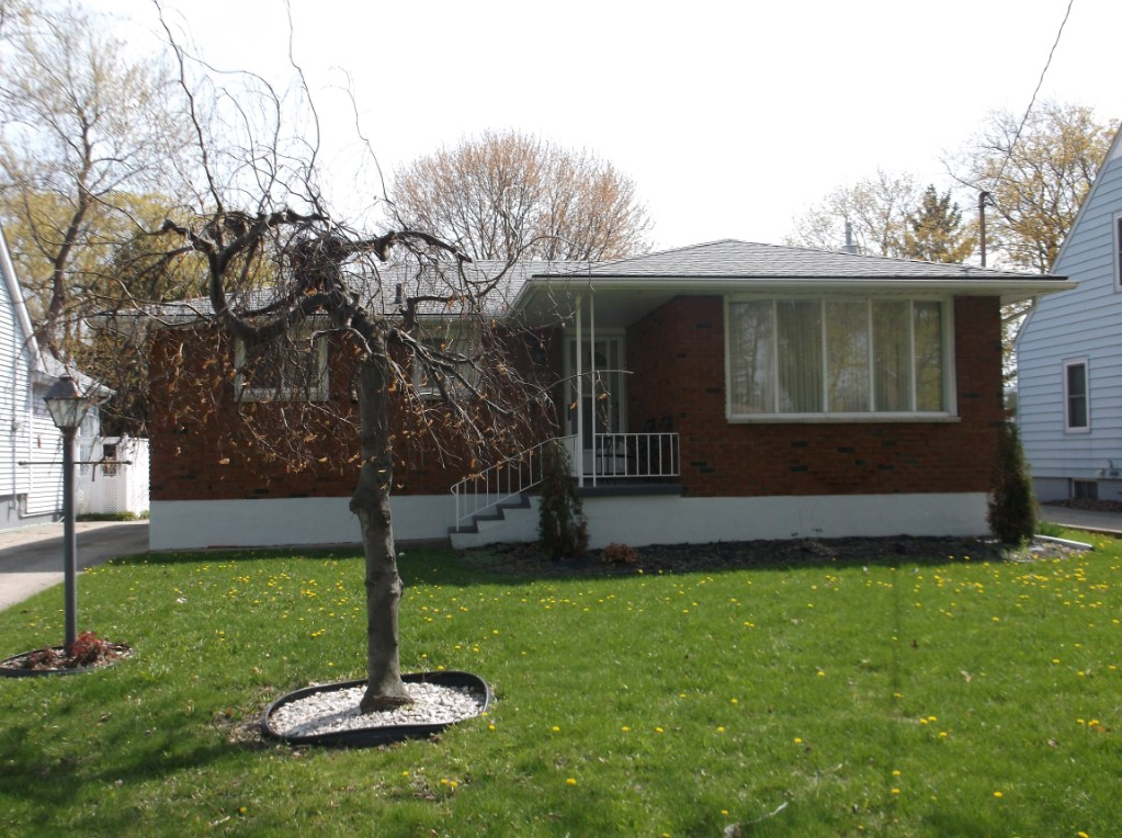 1022 Woodland Ave, Sarnia Ontario, Canada