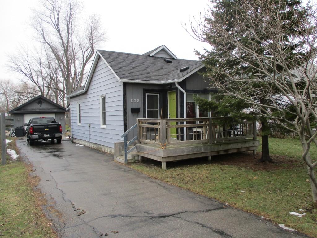 838 Devine St, Sarnia Ontario, Canada
