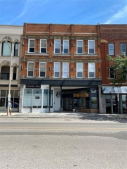 146-148 FRONT Street North, Sarnia Ontario, Canada