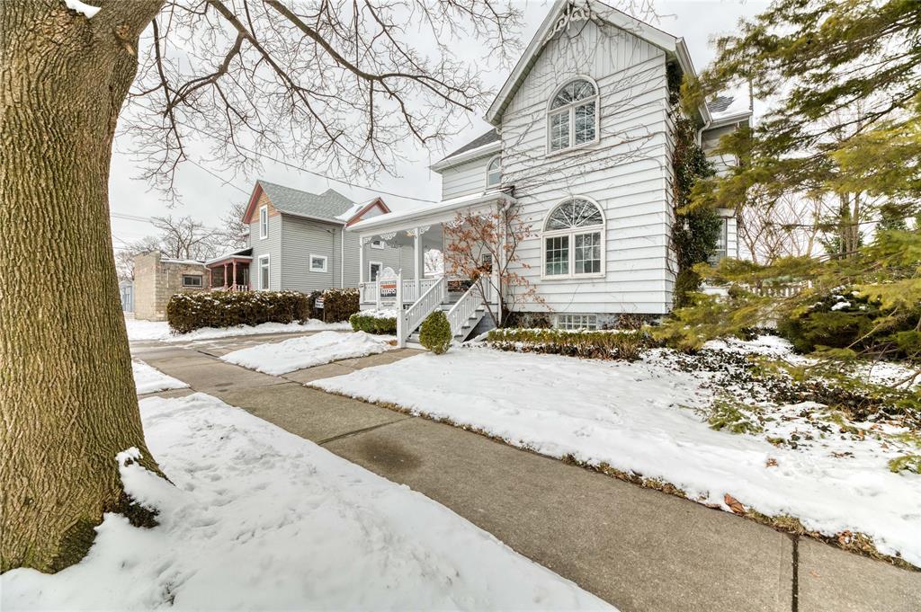 108 Kathleen Avenue, Sarnia Ontario, Canada