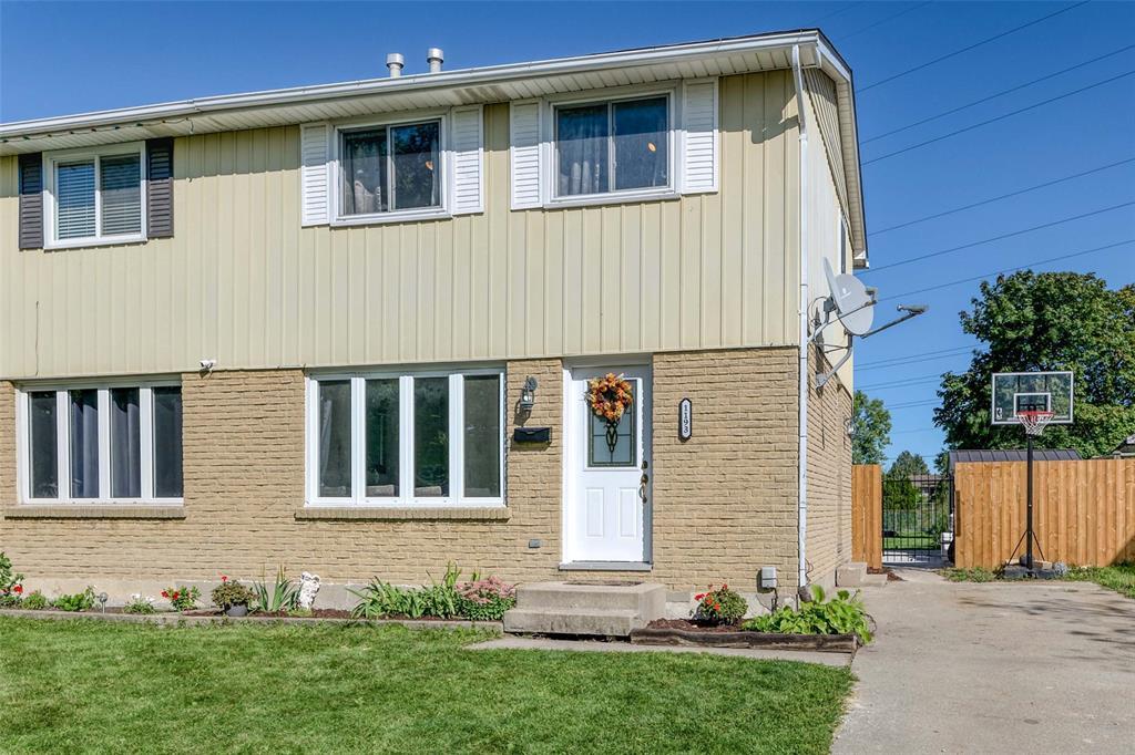 1193 OVERLEA Crescent, Sarnia, Ontario, Canada