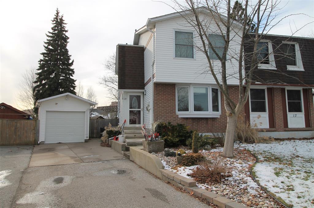 19 Maplestone Avenue, Sarnia Ontario, Canada