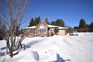 476 Oakwood Rd, Powassan Ontario, Canada