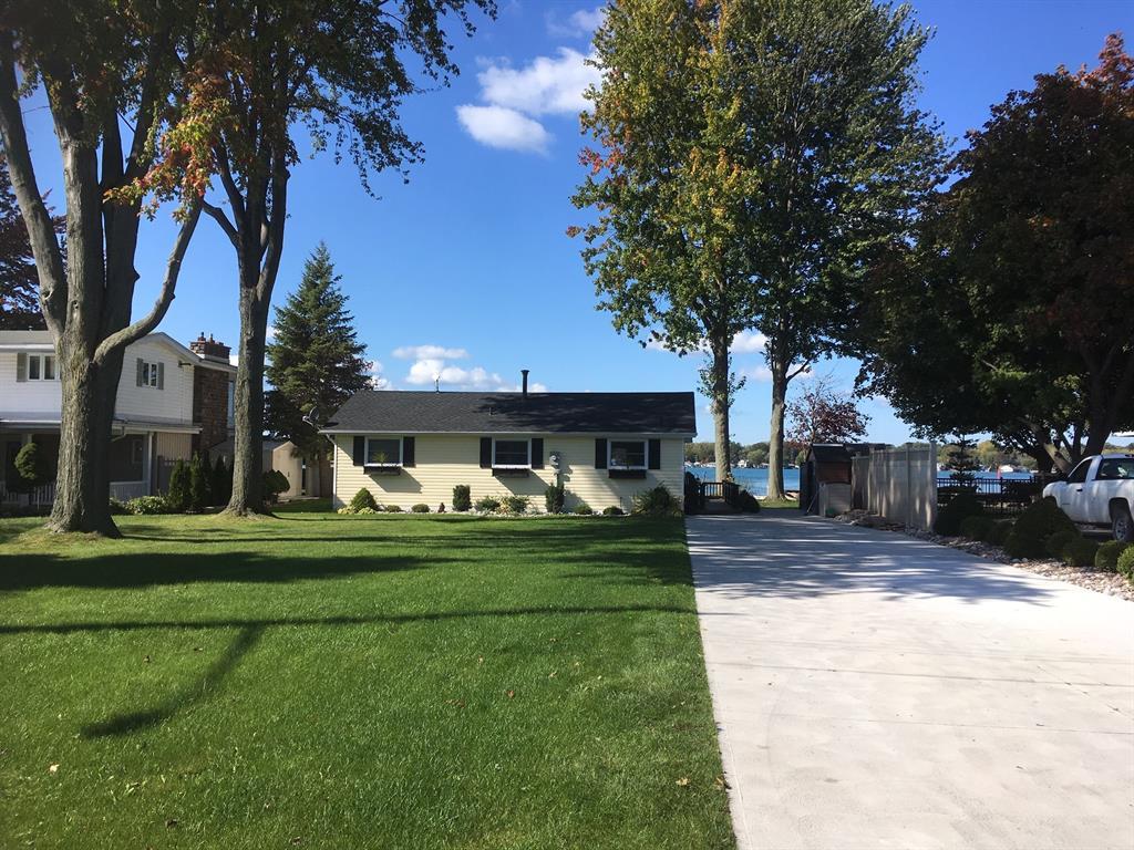 4675 Riverside Drive, Port Lambton Ontario, Canada