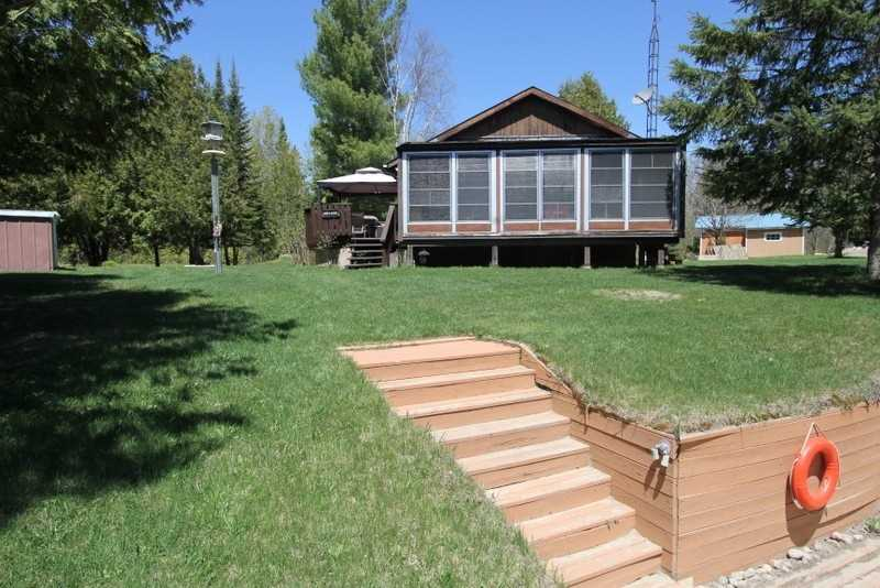221 Shuttleworth Rd, Kawartha Lakes Ontario, Canada