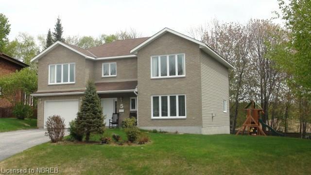 5 Vivyenne Court, North Bay Ontario