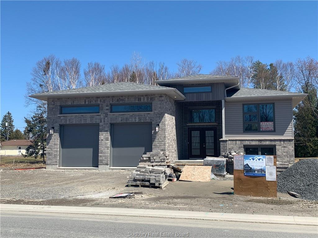 4056 Bonaventure, Hanmer Ontario, Canada