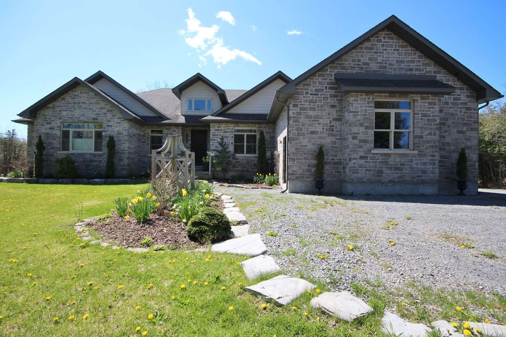835 Ironwood Road, Kingston Ontario, Canada