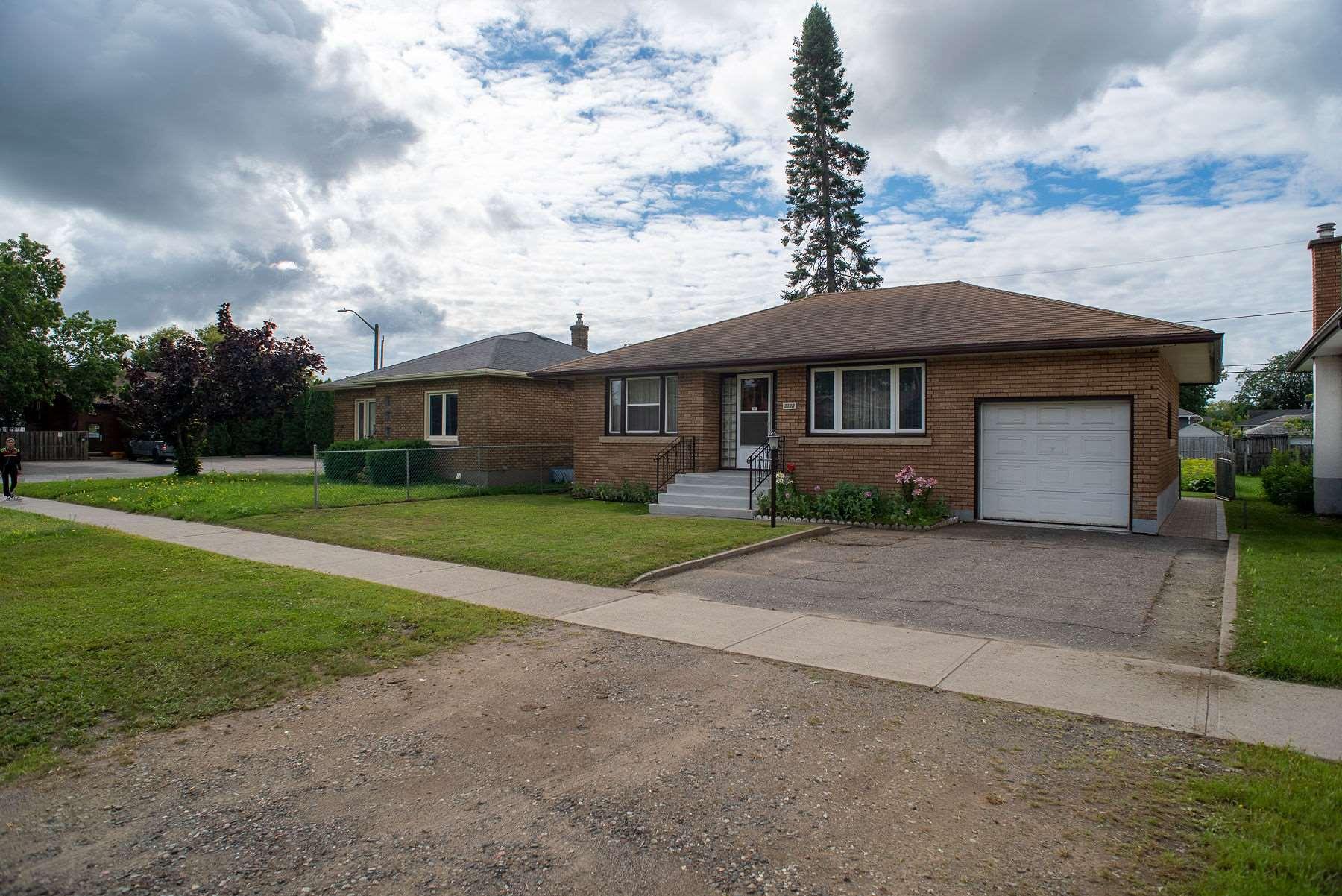 2130 Arthur Street E, Thunder Bay Ontario, Canada