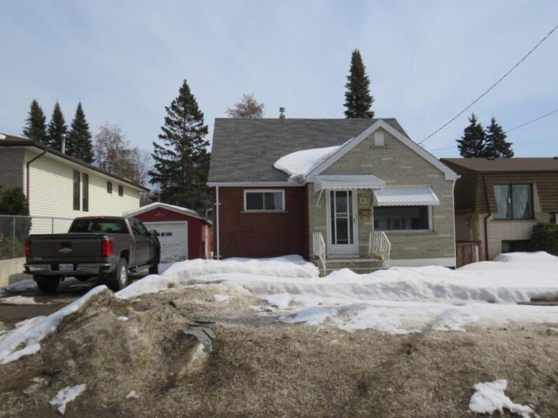 47 Empress Avenue N, Thunder Bay Ontario, Canada