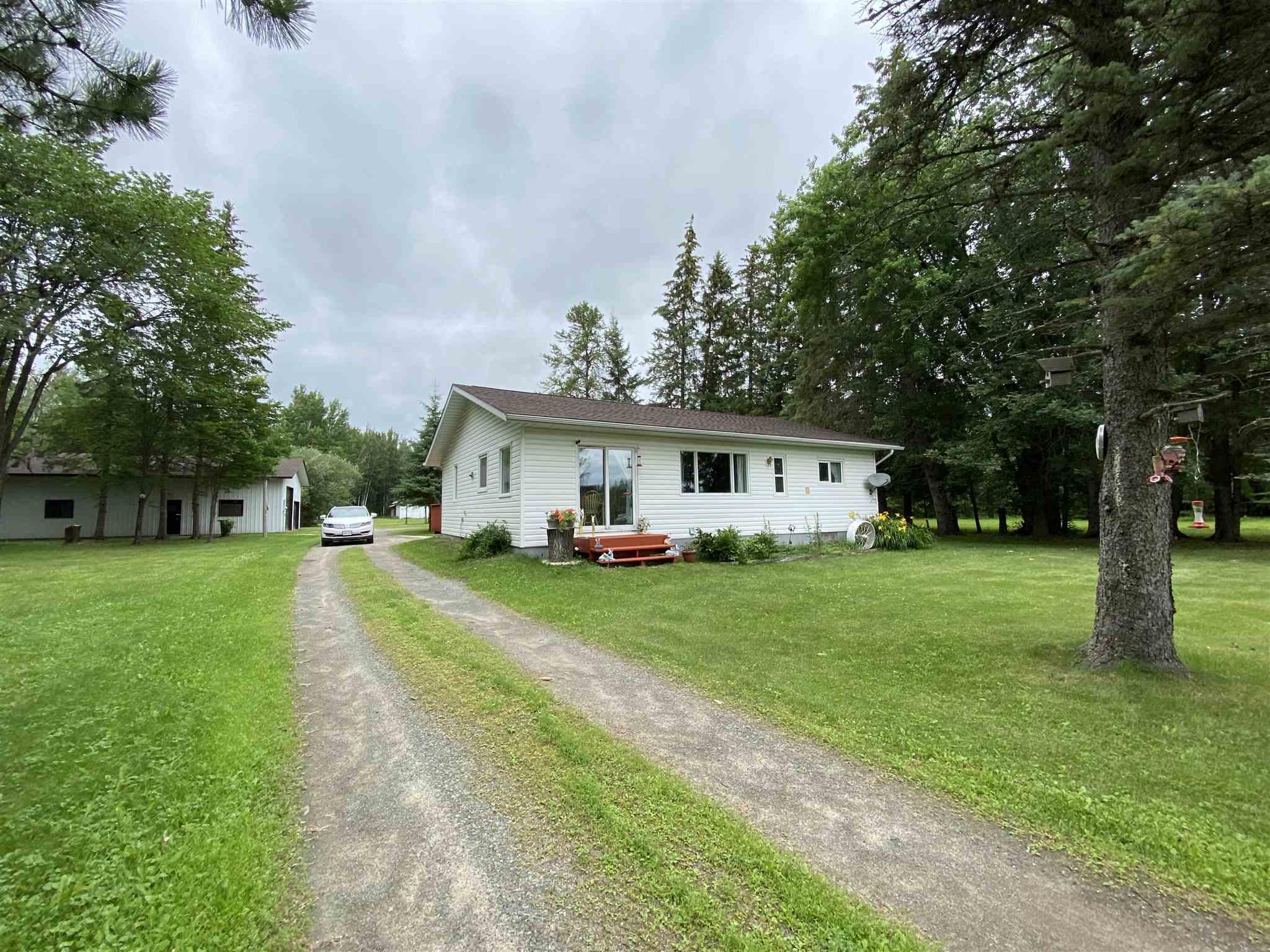 957 Baseline Road, Pinewood Ontario, Canada