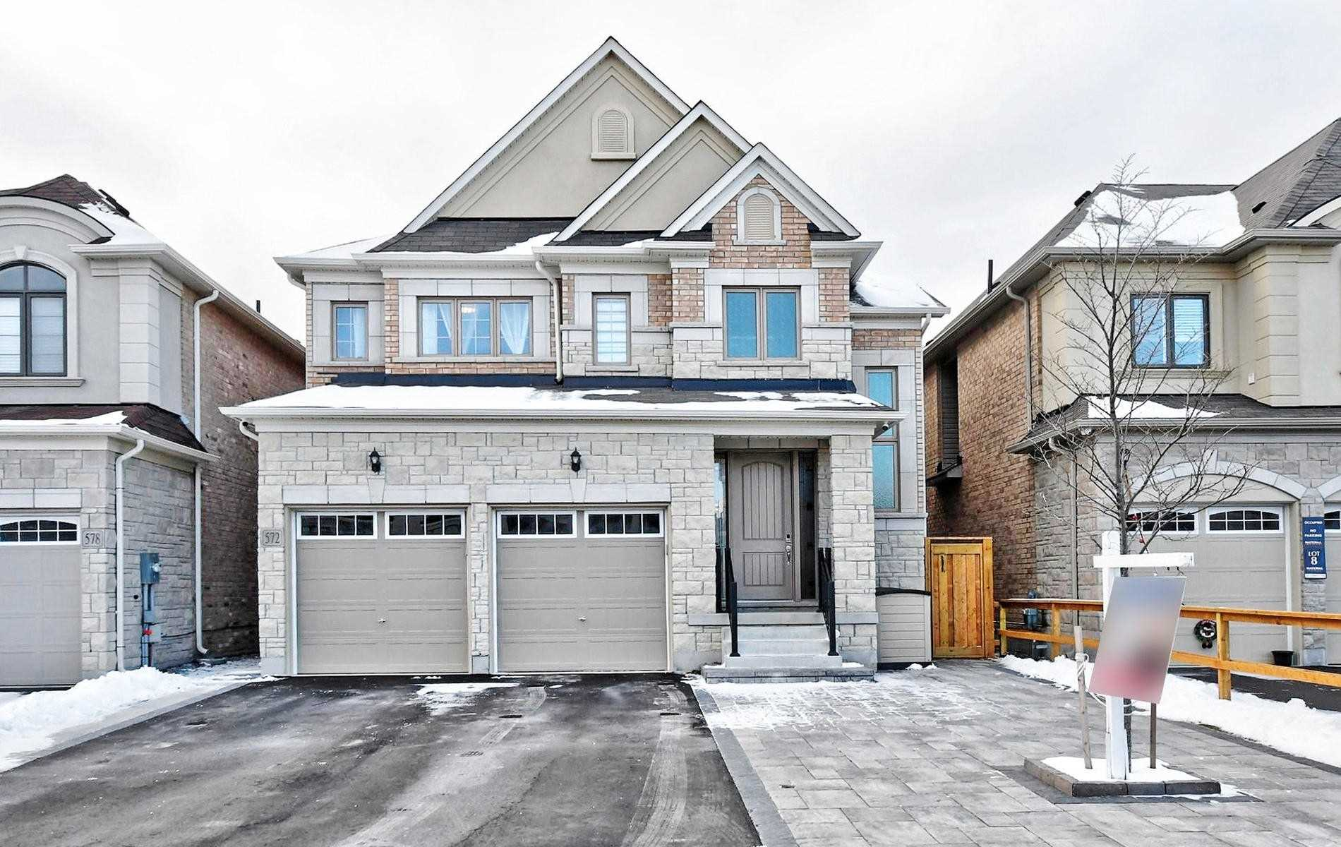 572 Somerville Dr, Newmarket Ontario, Canada