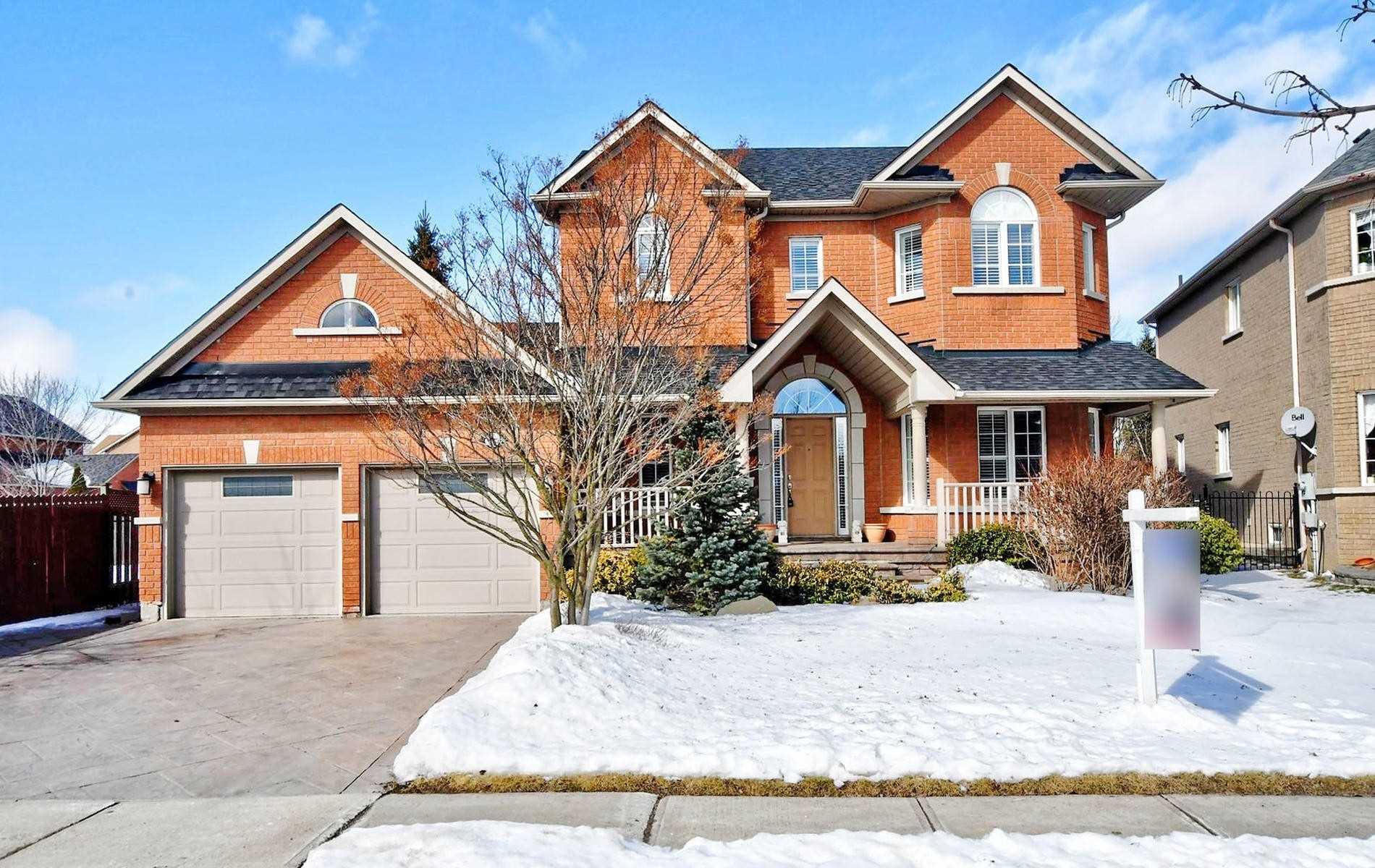 1059 Ivsbridge Blvd, Newmarket Ontario, Canada