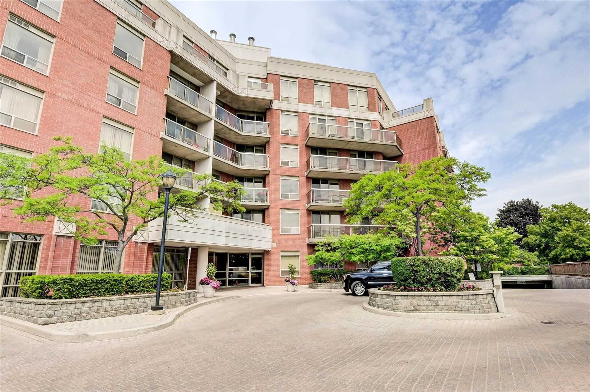 800 Sheppard Ave W, Toronto Ontario, Canada