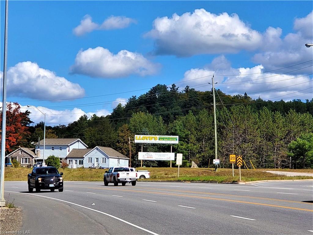 1009 County Road 21 Road, Minden Ontario, Canada