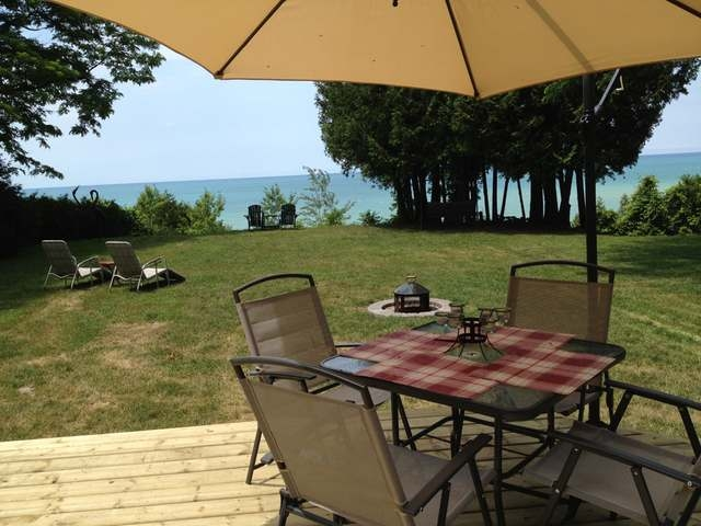 29 Tuyll St, Bayfield Ontario