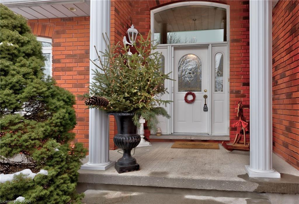 1608 Waddell Avenue, Peterborough Ontario, Canada