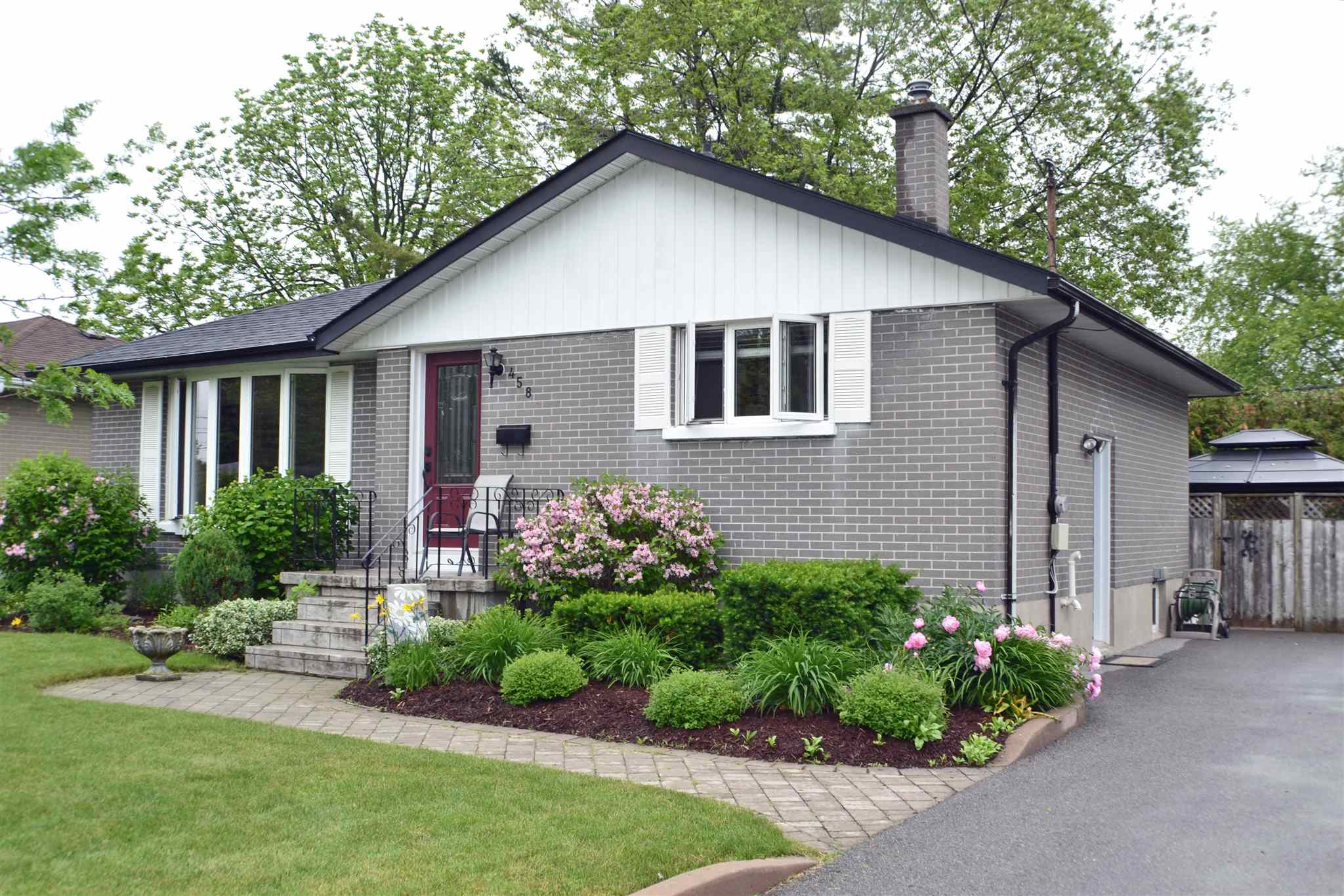 458 MCEWEN Drive, Kingston Ontario, Canada