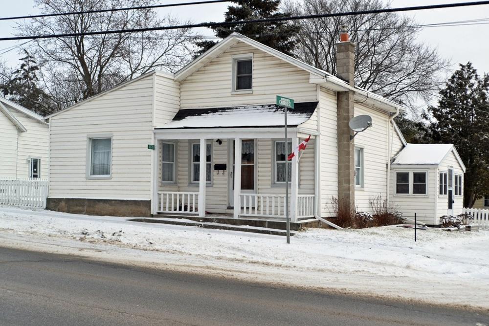 4978 Highway 38, Harrowsmith, Ontario, Canada