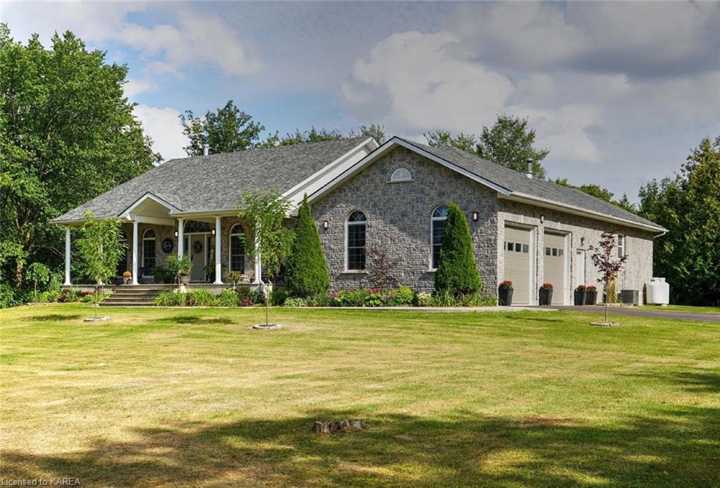 3522 Four Seasons Drive, Inverary Ontario, Canada