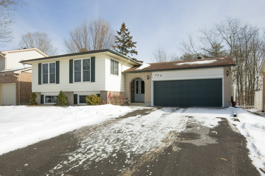964 Mayfair Crescent, Kingston Ontario