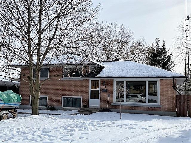 34 Henry Crescent, Amherstview Ontario, Canada
