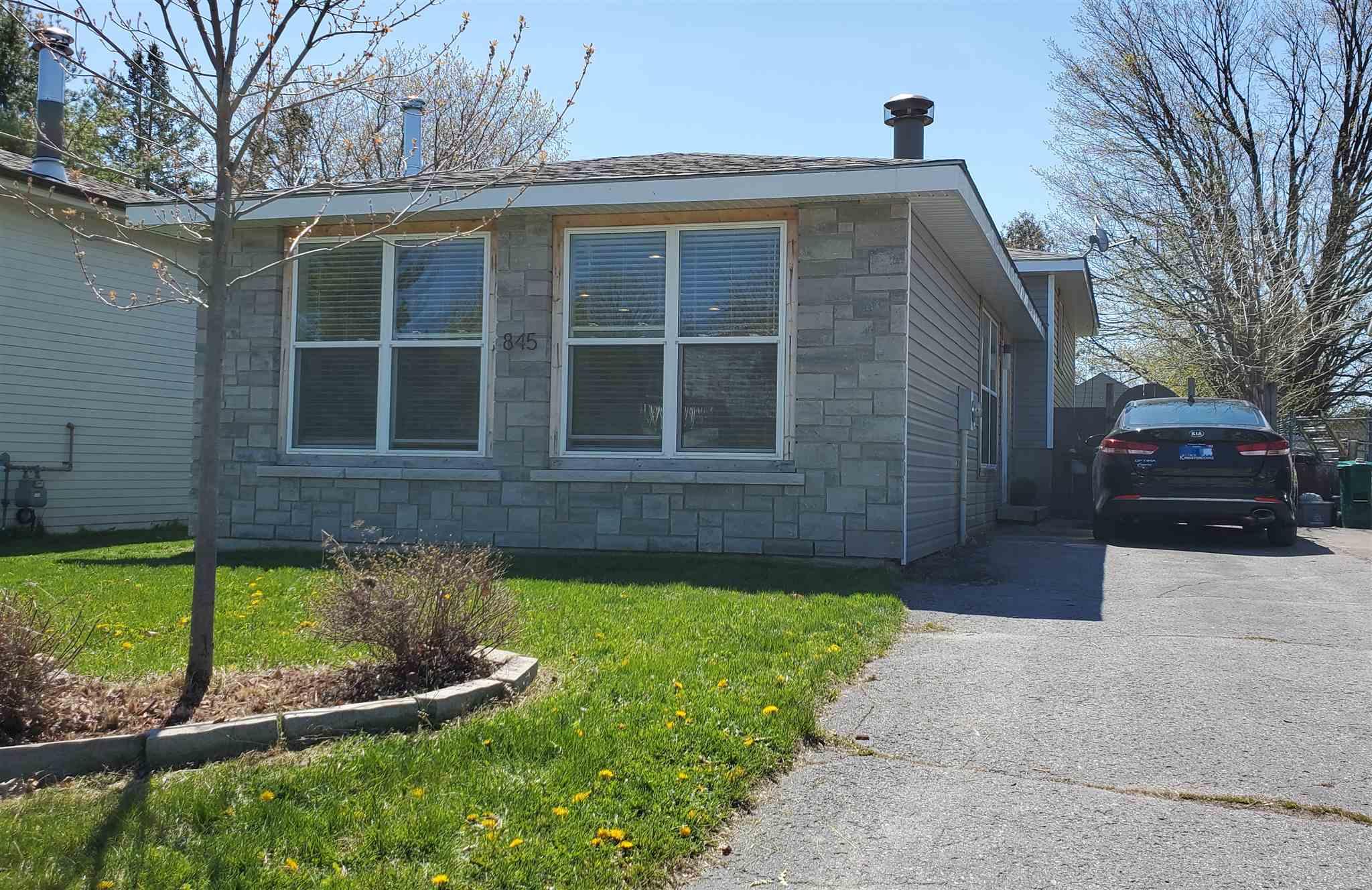 845 Cedarwood Drive, Kingston Ontario, Canada