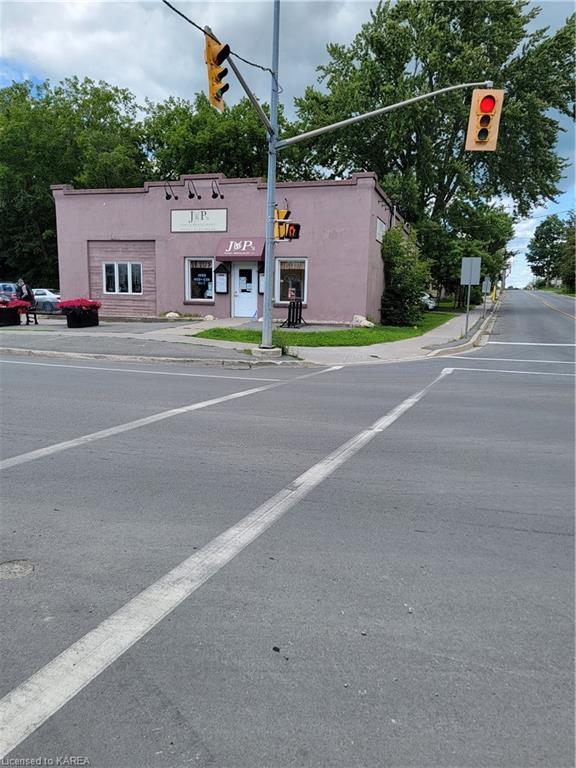 352 MAIN Street E, Bath Ontario, Canada