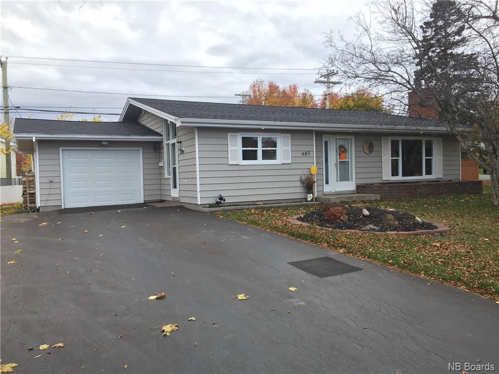 985 Vanier, Bathurst New Brunswick, Canada