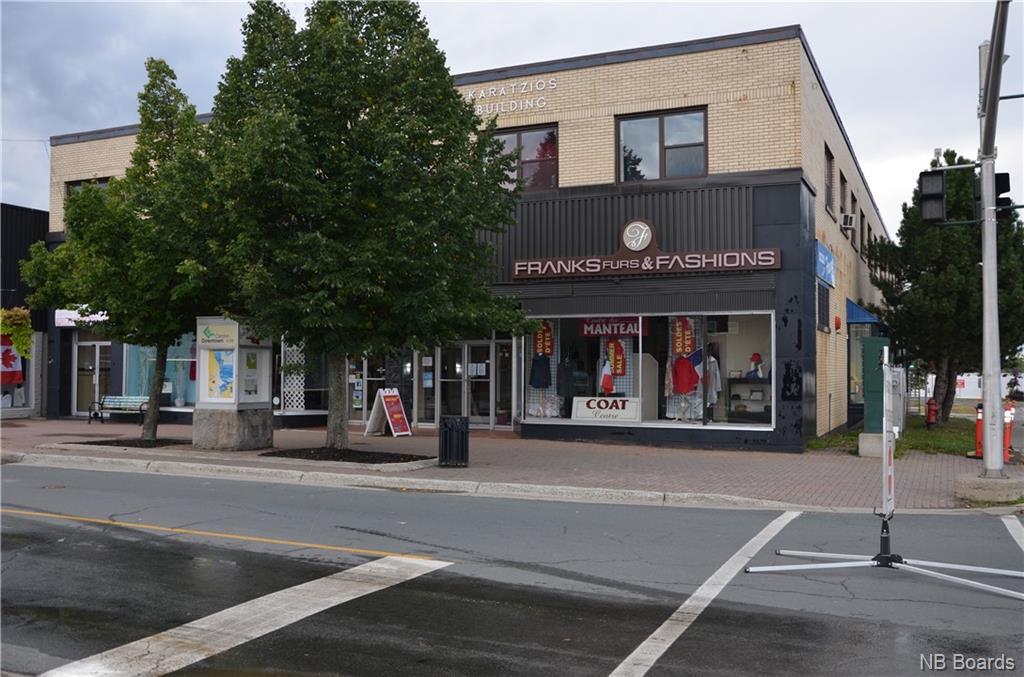195 Main, Bathurst New Brunswick, Canada