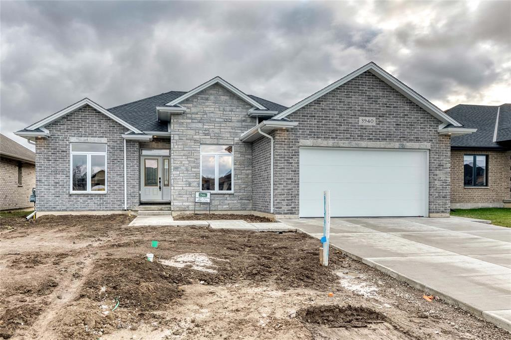 3542 Mia Lane, Plympton-wyoming Ontario, Canada