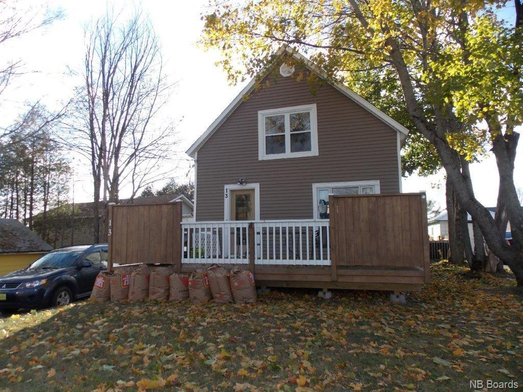 13 Murray Avenue, Fredericton New Brunswick, Canada