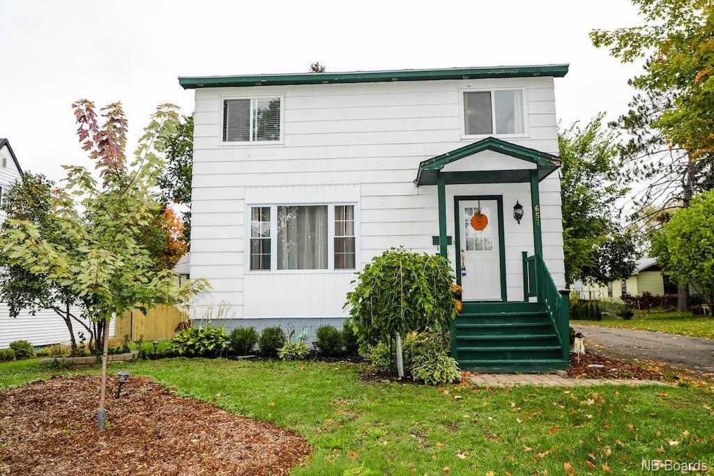 657 Philip Street, Fredericton New Brunswick, Canada