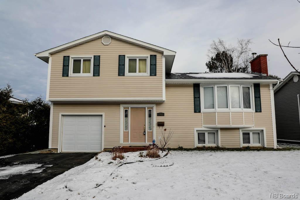 16 Meadow Green Court, Fredericton New Brunswick, Canada