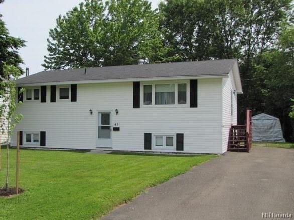 45 Hildebrand Crescent, Fredericton New Brunswick, Canada