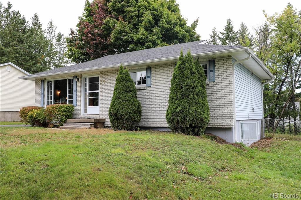 29 Coventry Crescent, Fredericton New Brunswick, Canada