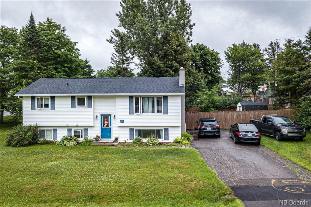 43 Birchwood Crescent, New Maryland New Brunswick, Canada