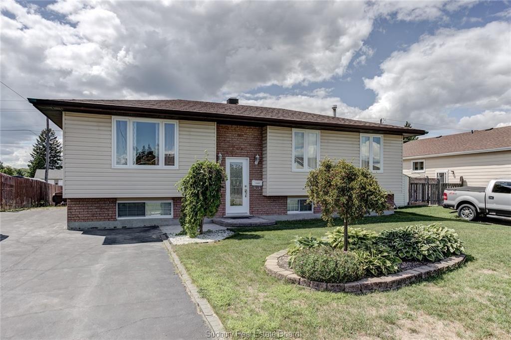 4240 Carina, Hanmer Ontario, Canada
