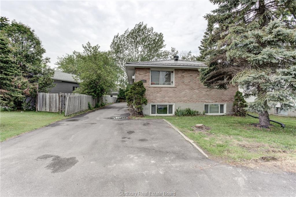 1371 Falconbridge Road, Sudbury Ontario, Canada