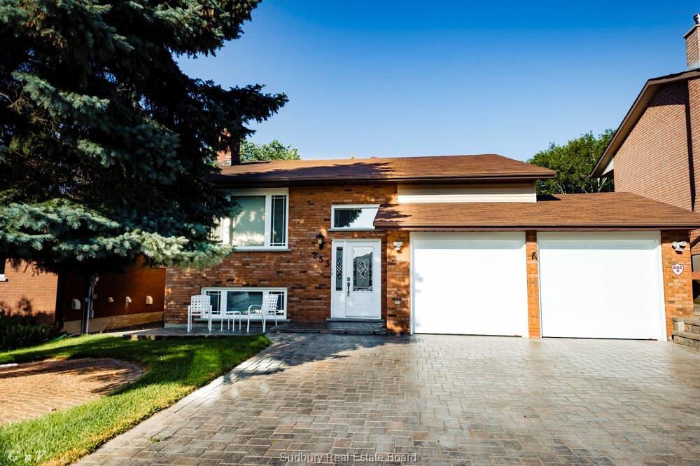 253 Moonrock Avenue, Sudbury Ontario, Canada