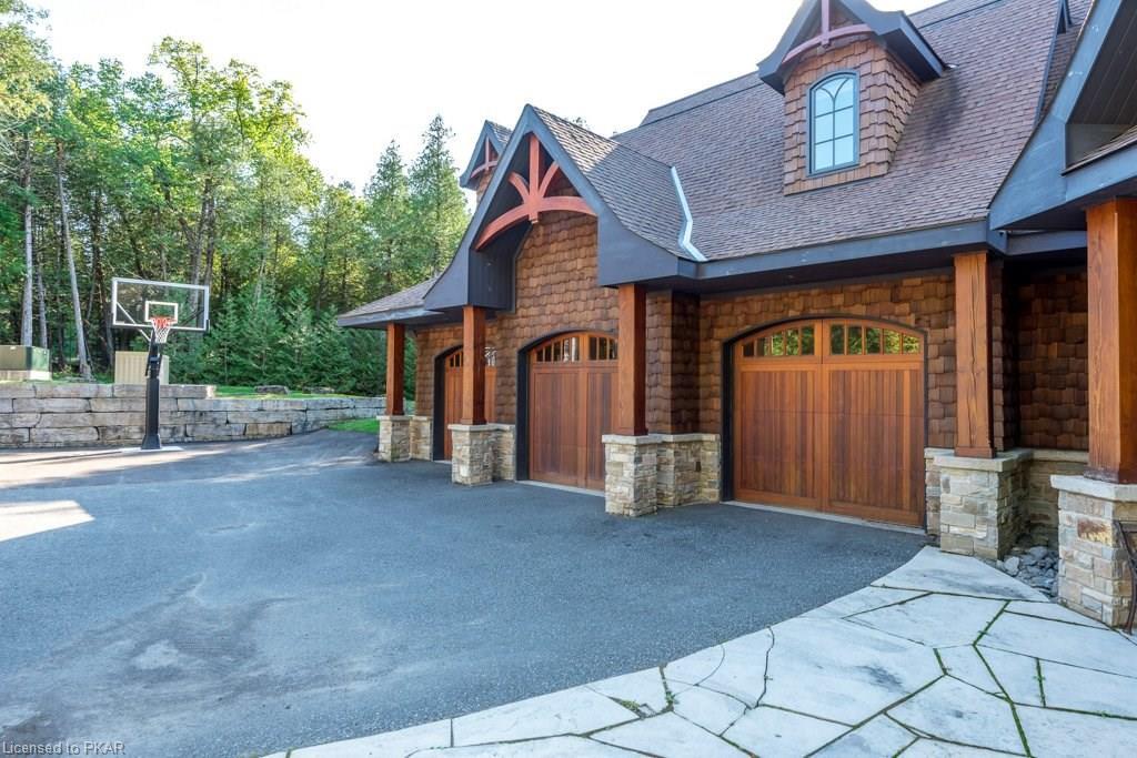 890 BIRCHVIEW Road, Lakefield Ontario, Canada