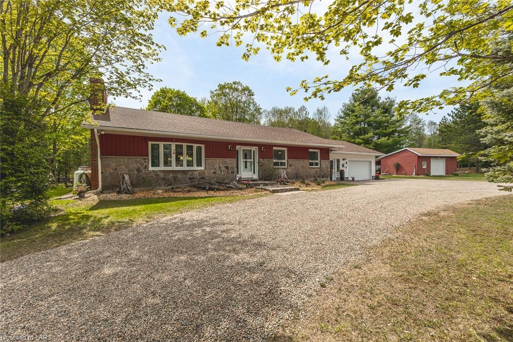 1017 Clement Lake Road, Wilberforce Ontario, Canada