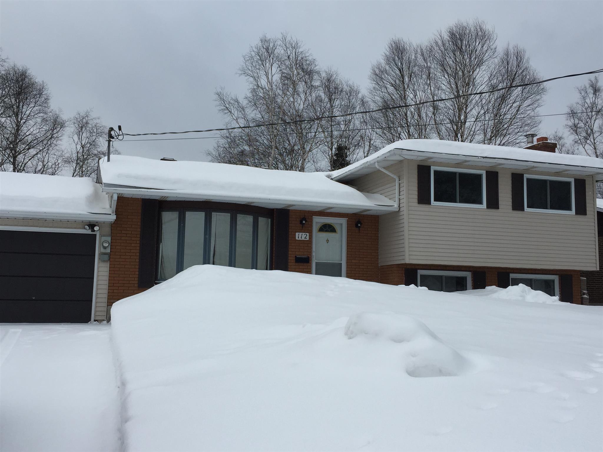 112 Superior Avenue, Wawa Ontario, Canada